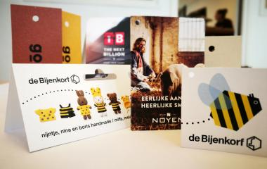 Duurzame hangtags op recycled papier